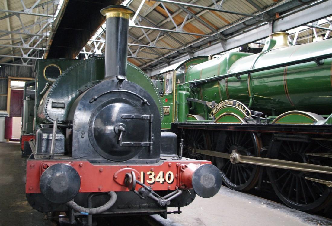1340 with 5900 Hinderton Hall at Didcot-2011.jpg