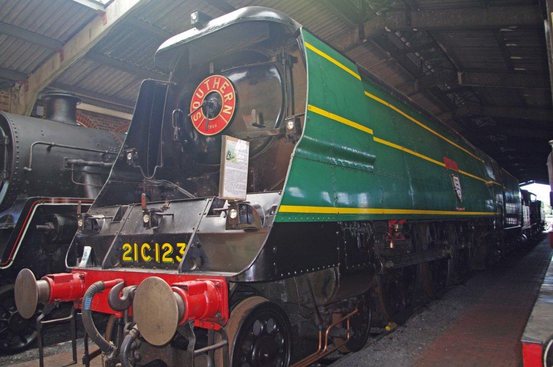 34023 at Sheffield Park-2012.jpg