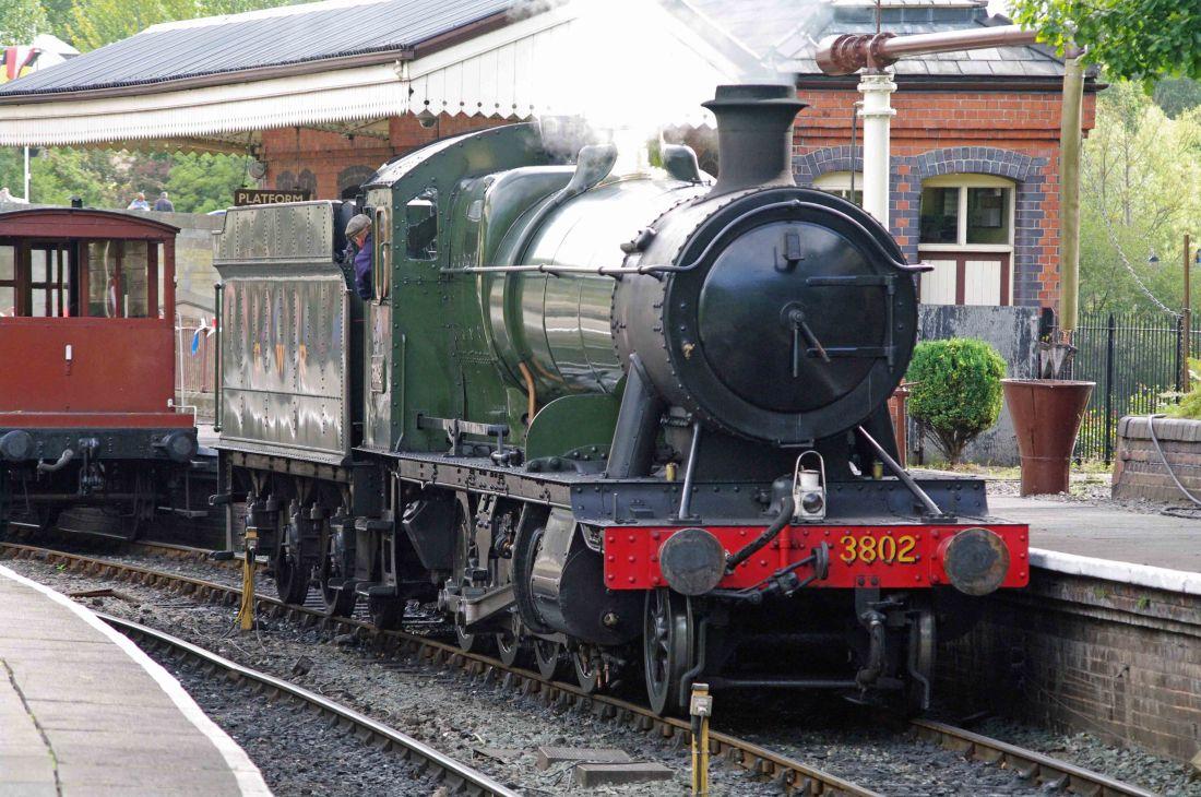 3802 at Llangollen-2011