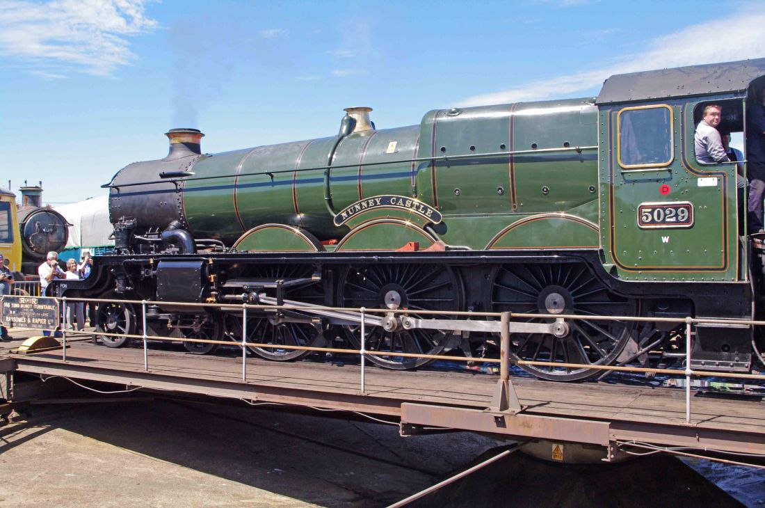 5029 Nunnery Castle at Tyseley-2011.jpg