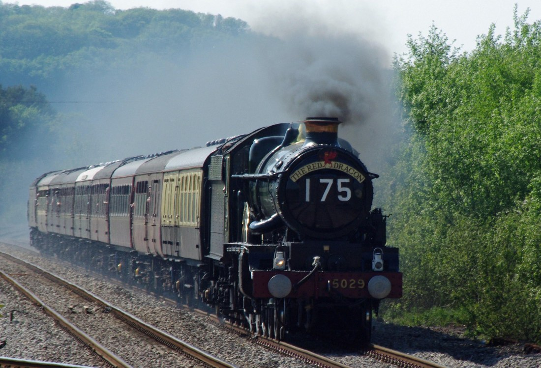 5029 Nunney Castle at Whitland-2010.jpg