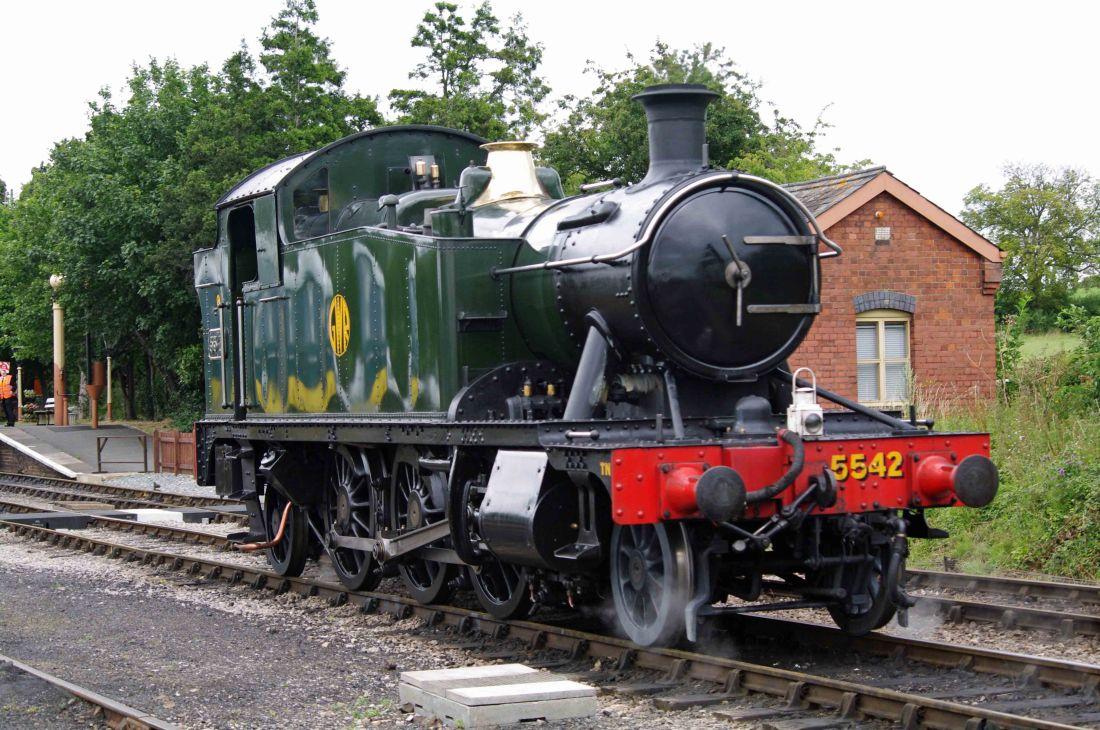 5542 at Toddington on the Gloucestershire Warwickshire Railway-2015.jpg