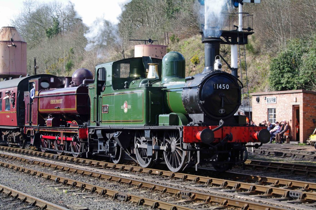 5786 running as L92 with 1450 at Bewdley-2015.jpg