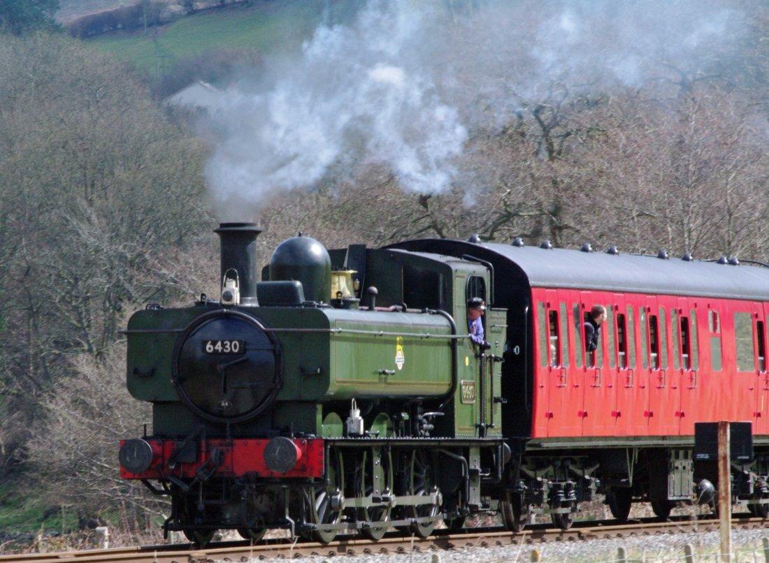 6430 leaves Glyndyfrdwy towards Carrog-2013