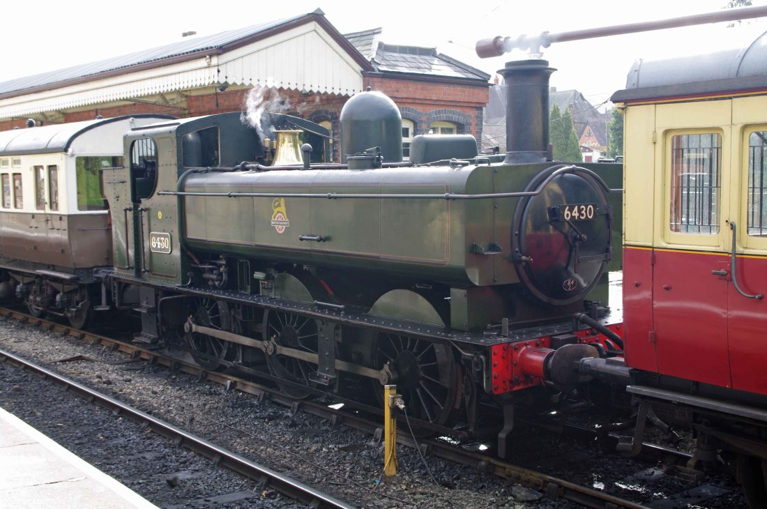 6430 with auto coaches at Llangollen 2011.jpg