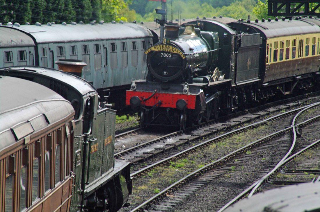 7802 & 5164 at Bridgnorth-2010.jpg