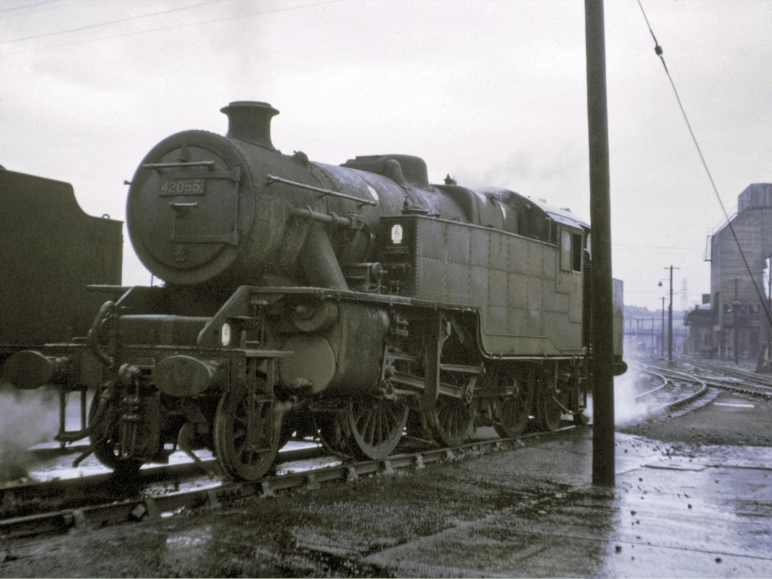 42055 at Low Moor-1966.jpg