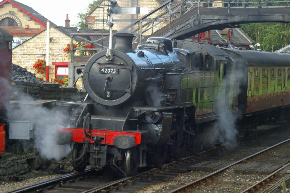 42073 at Haverthwaite-2009.jpg