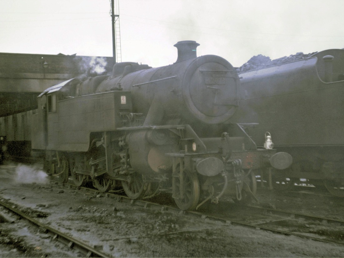 42073 at Low Moor-1966.jpg