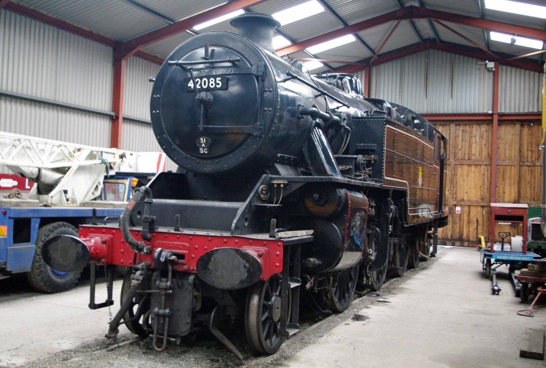 42085 at Haverthwaite-2010a.jpg