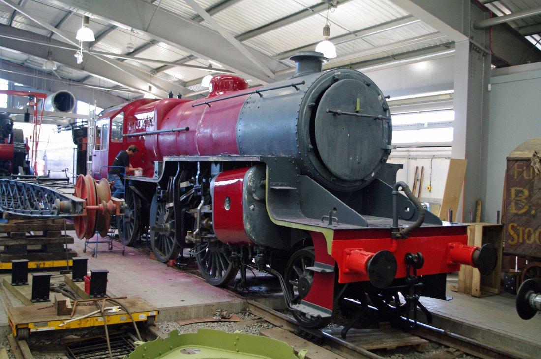42700 being painted at Shildon-2010.jpg