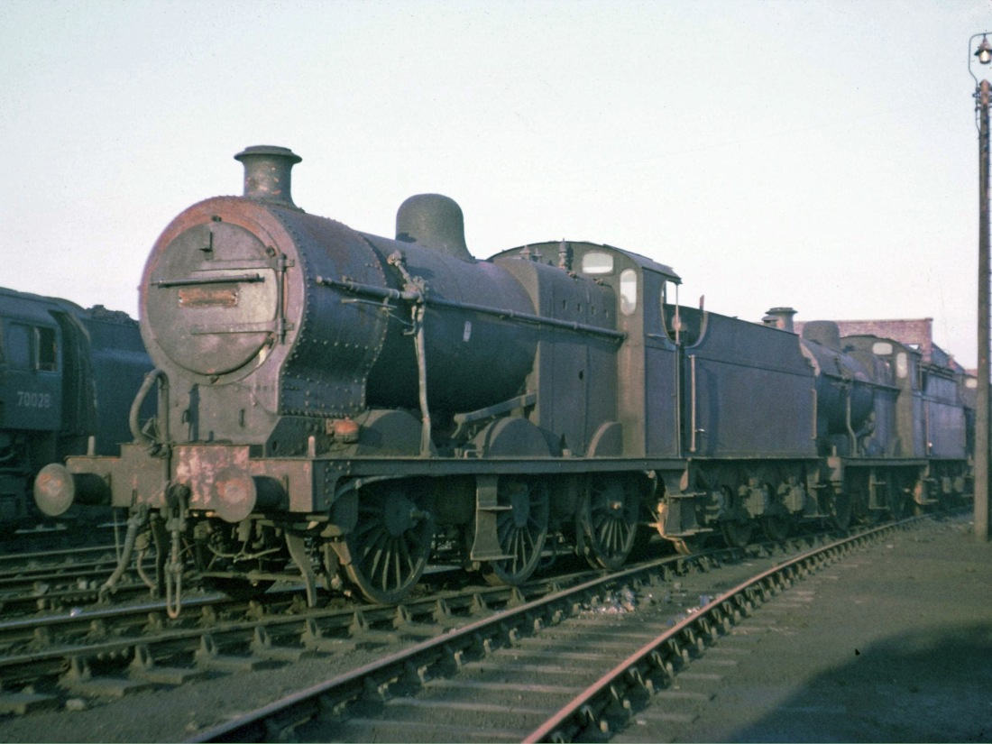 44489 at Workington-Nov 1965.jpg