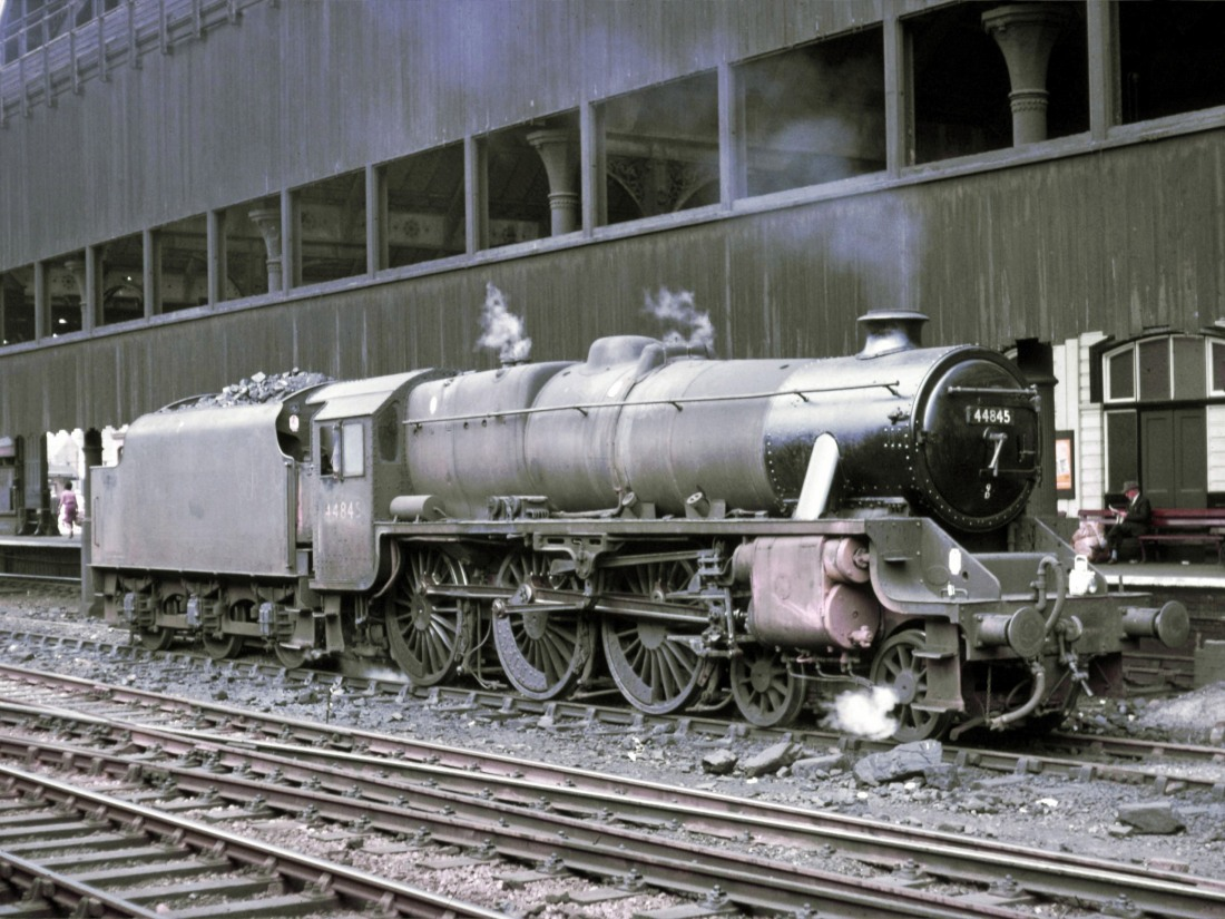 44845 at Manchester Victoria July 1967.jpg