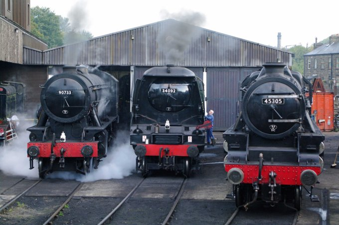 45305, 34092 & 90733 at Haworth 2014.jpg