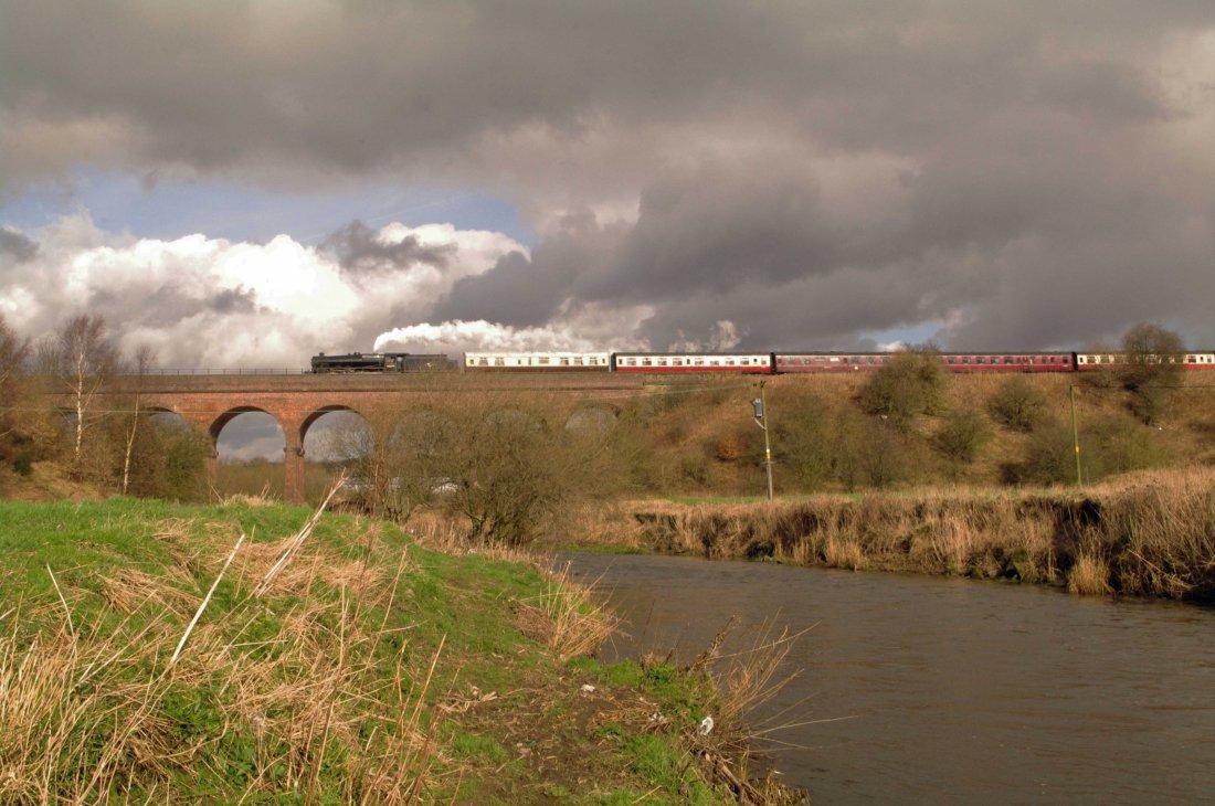 45379 crosses River Roch at Bury-2014.jpg