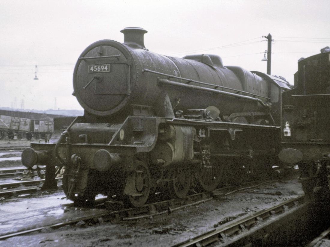 45694 at Low Moor May 1966.jpg