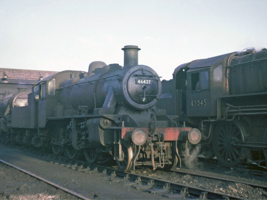 46432 at Workington Nov 1965.jpg