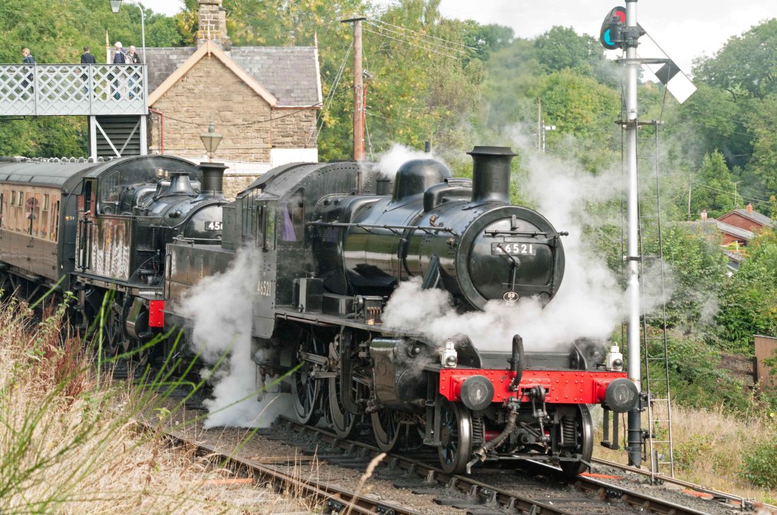 46521 with 4566 at Highley 2015.jpg