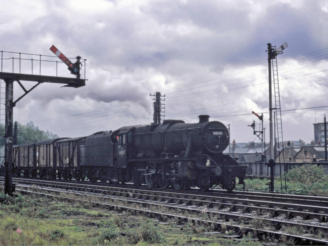 48077 at Carlisle September 1967.jpg