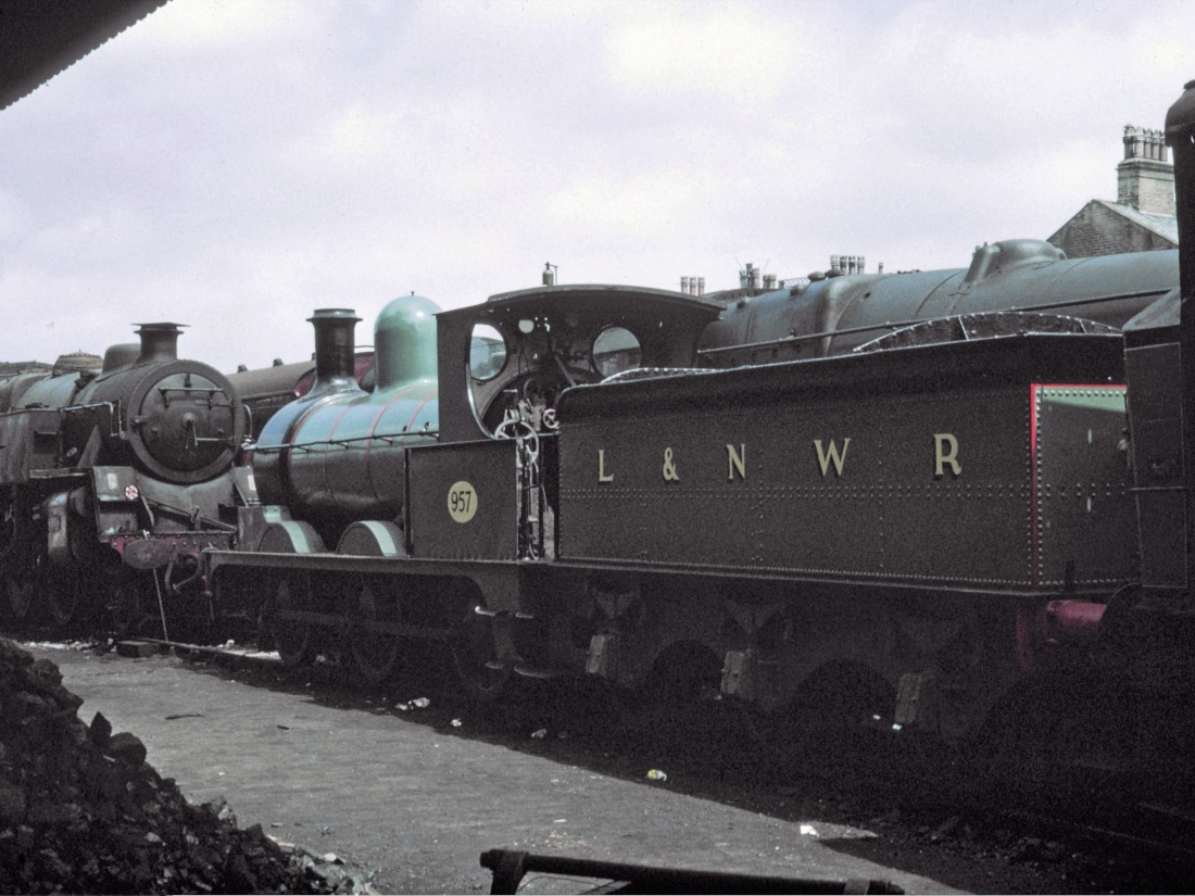 52044 Haworth July 1969.jpg