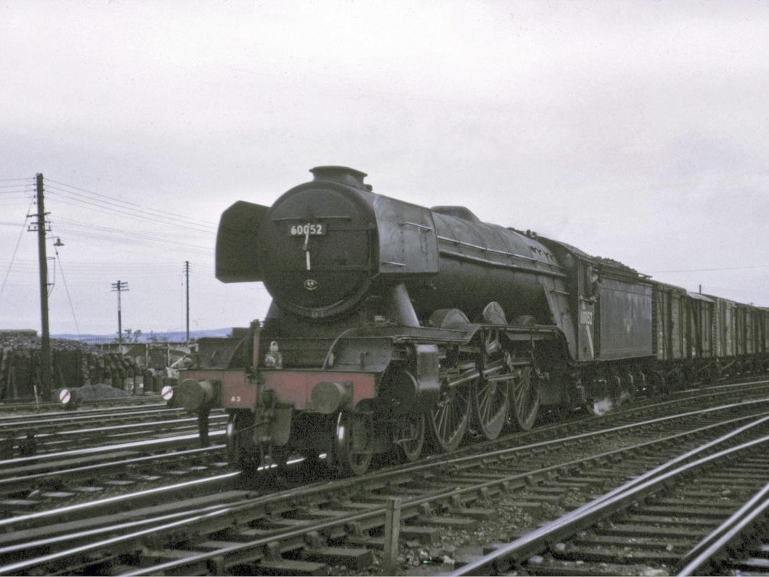 60052 Dundee July 1965.jpg