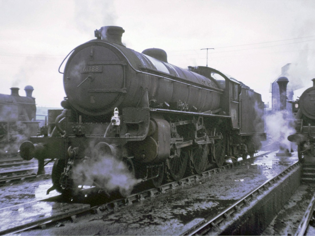 61388 Low Moor May 1966.jpg