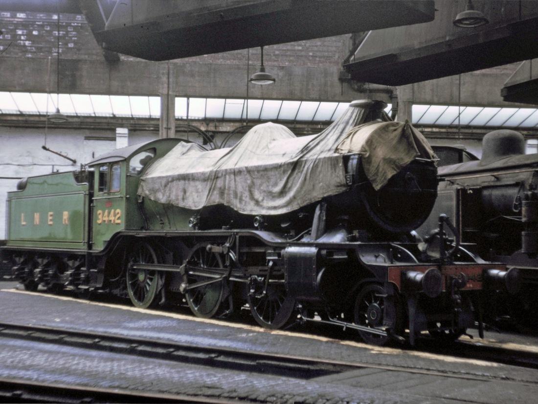 61994 Neville Hill July 1966.jpg