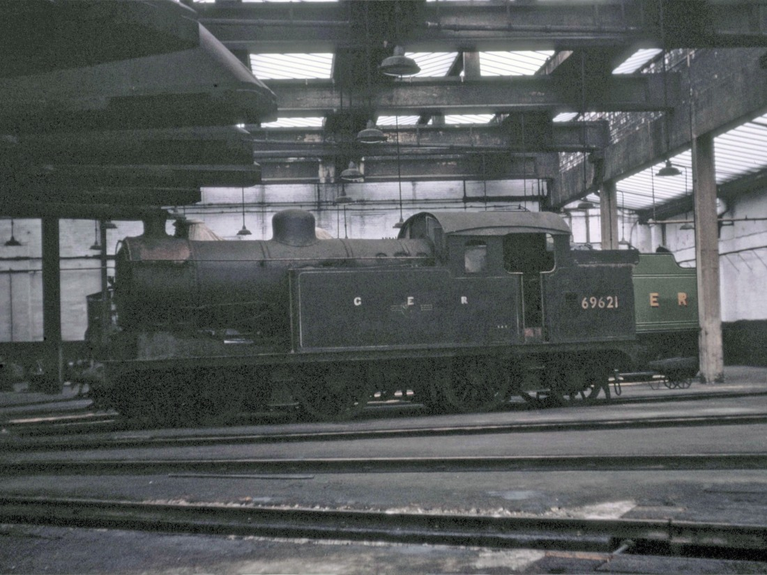 69621 Leeds Neville Hill July 1966.jpg