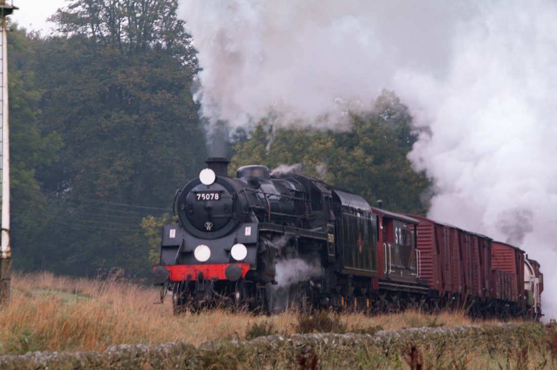75078-Haworth banked by 58926 & 45212.jpg