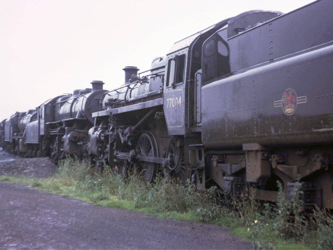 77004 & 43044-Stourton-July 1966.jpg