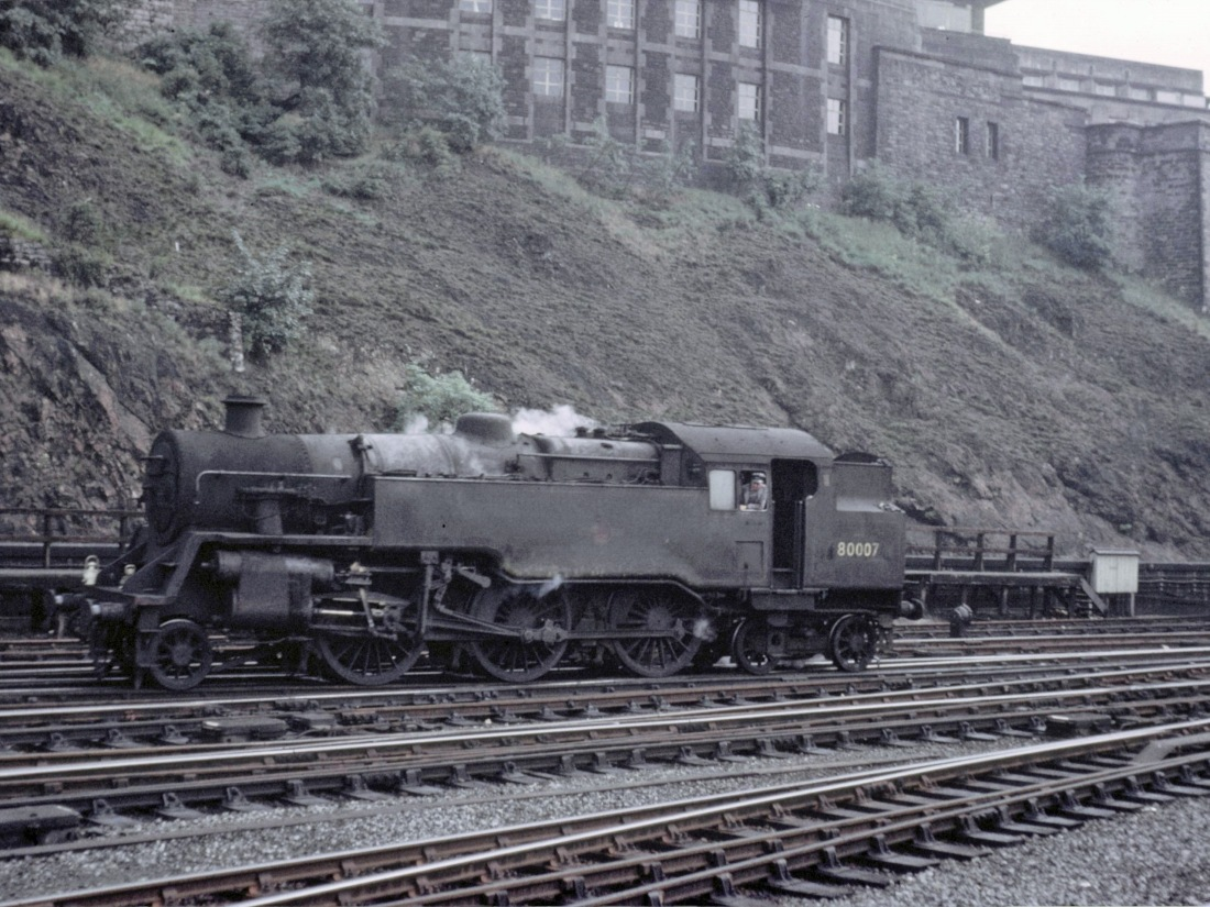 80007 at Edinburgh Waverly July 1965.jpg