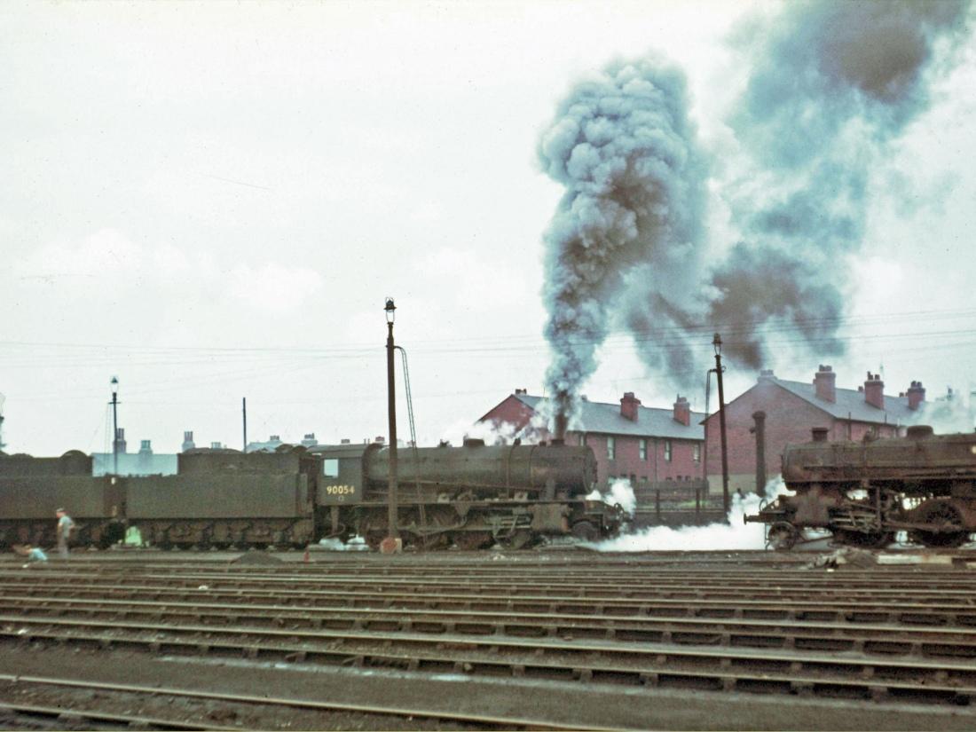 90054 & 43137 Wakefield May 1966.jpg