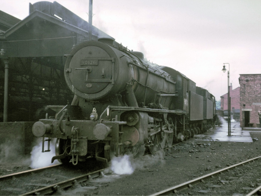 90126 in front of 90054 Mirfield May 1966.jpg