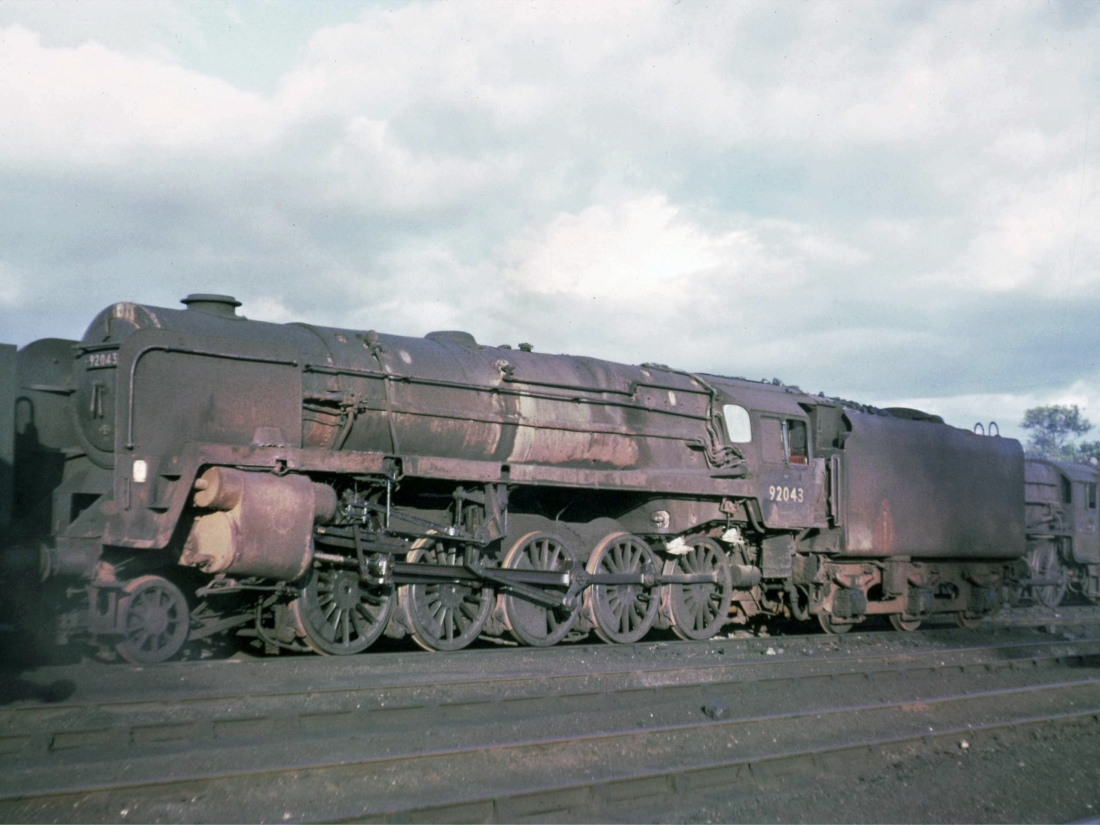 92043 Kingmoor July 1966.jpg