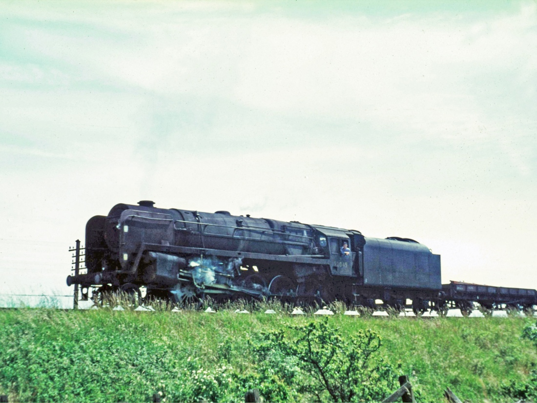 92045 Milnthorpe July 1966.jpg