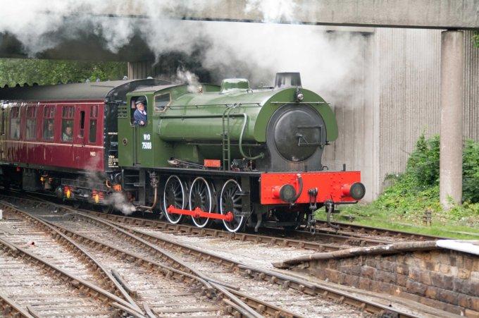 WD 75008 Swiftsure at Bury 2015.jpg