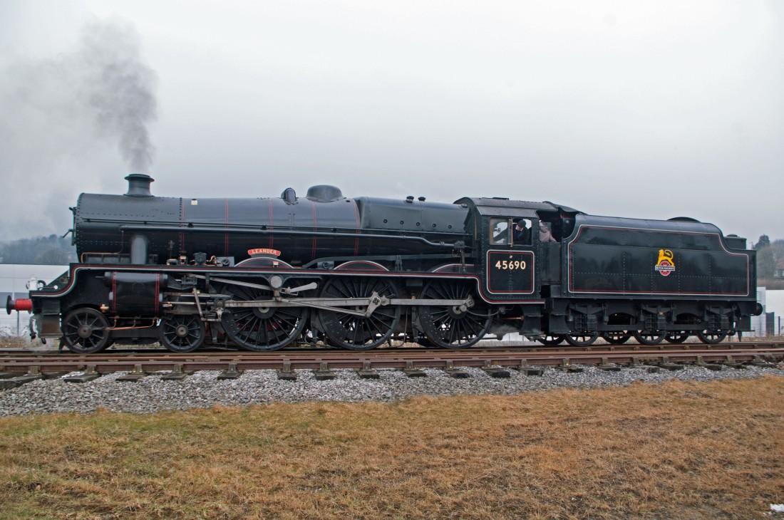 42018-East Lancs Railway-Rawtenstall-2018- 45690 Leander.jpg