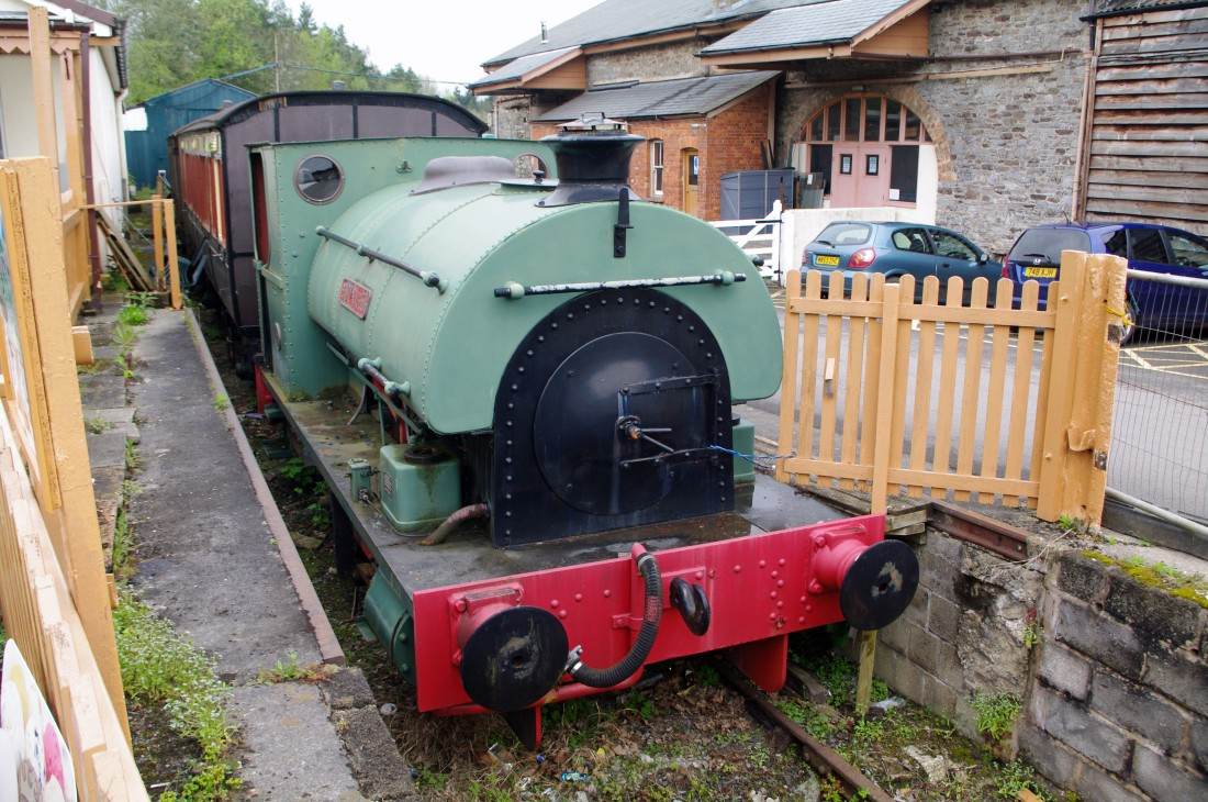 42113-South Devon Railway-Buckfastleigh-2018-Peckett 1690.jpg