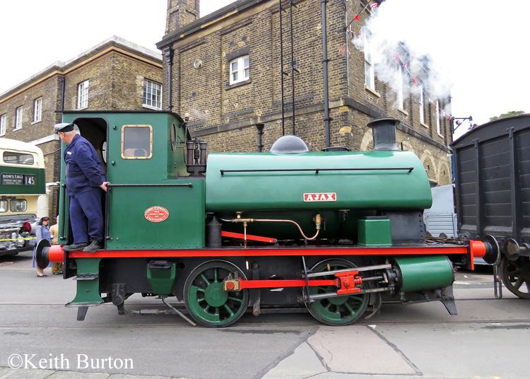 Robert Stephenson & Hawthorn 7042.jpg