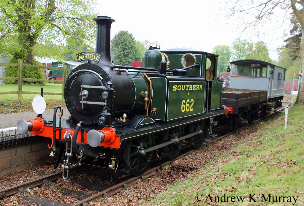 32662 at Bressingham - April 2017.jpg