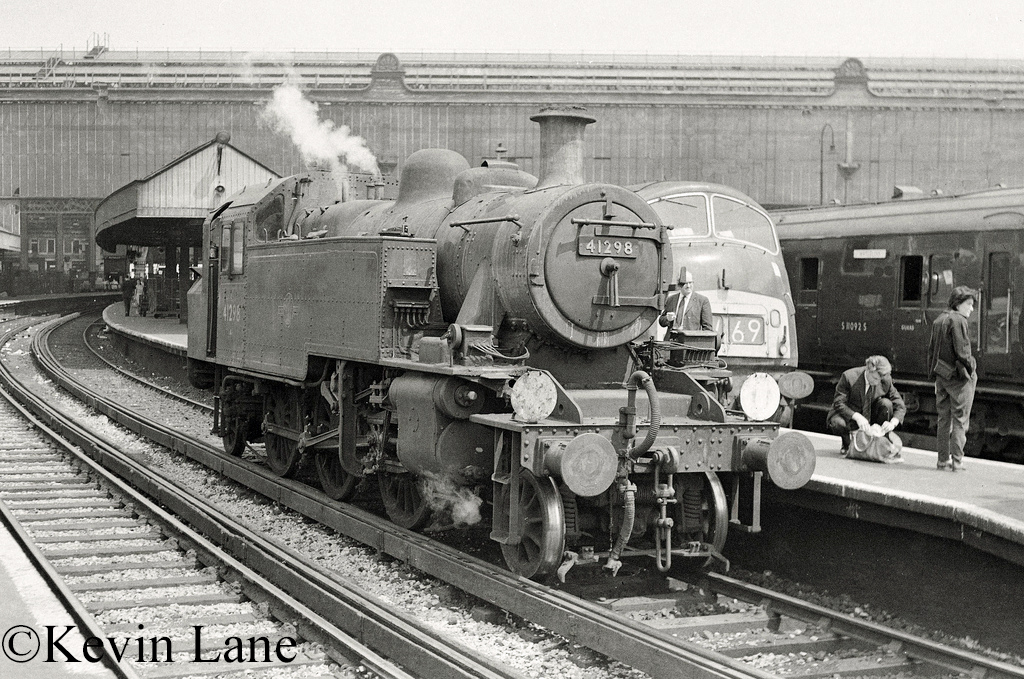 41298 at Waterloo - June 1967.jpg