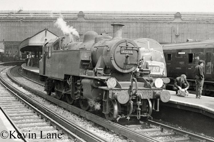 41298 at Waterloo - June 1967.jpg