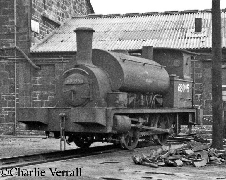 68095 at St Margarets, Edinburgh - September 1961.jpg