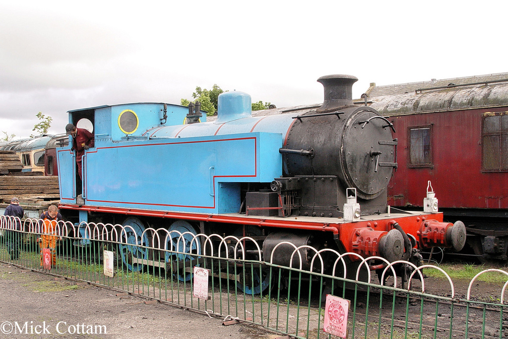 AB 2107 Caledonian Railway May 2011.jpg