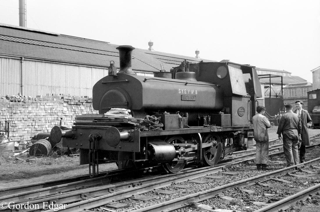AB2199-Victory-Chatham-Dockyard.jpg