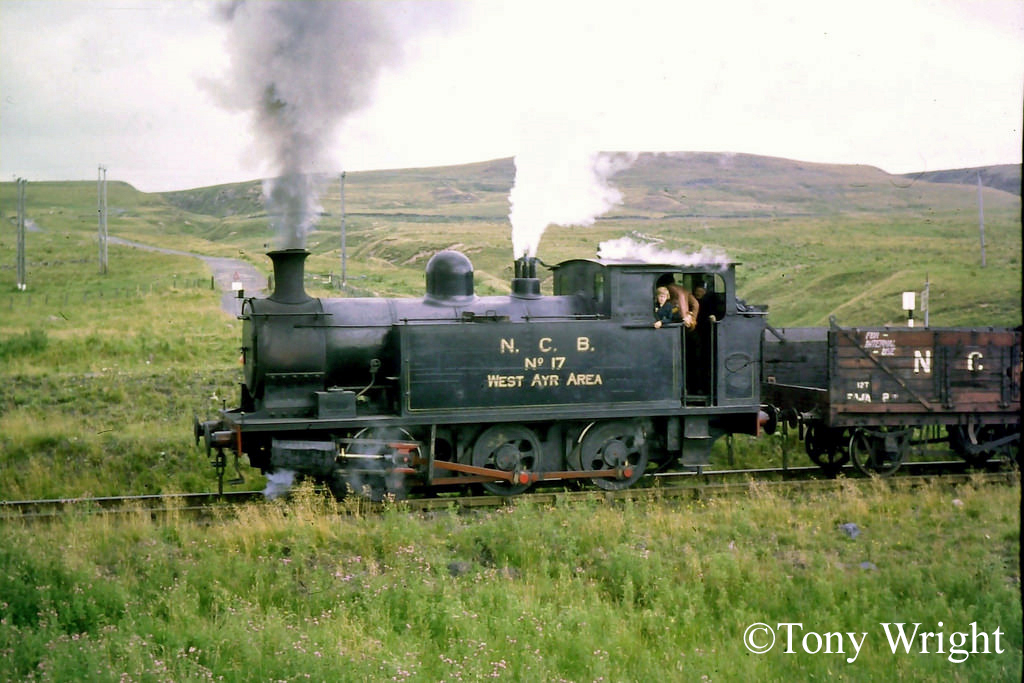 Andrew Barclay 1338 on the Waterside System, Damellington - August 1977.jpg