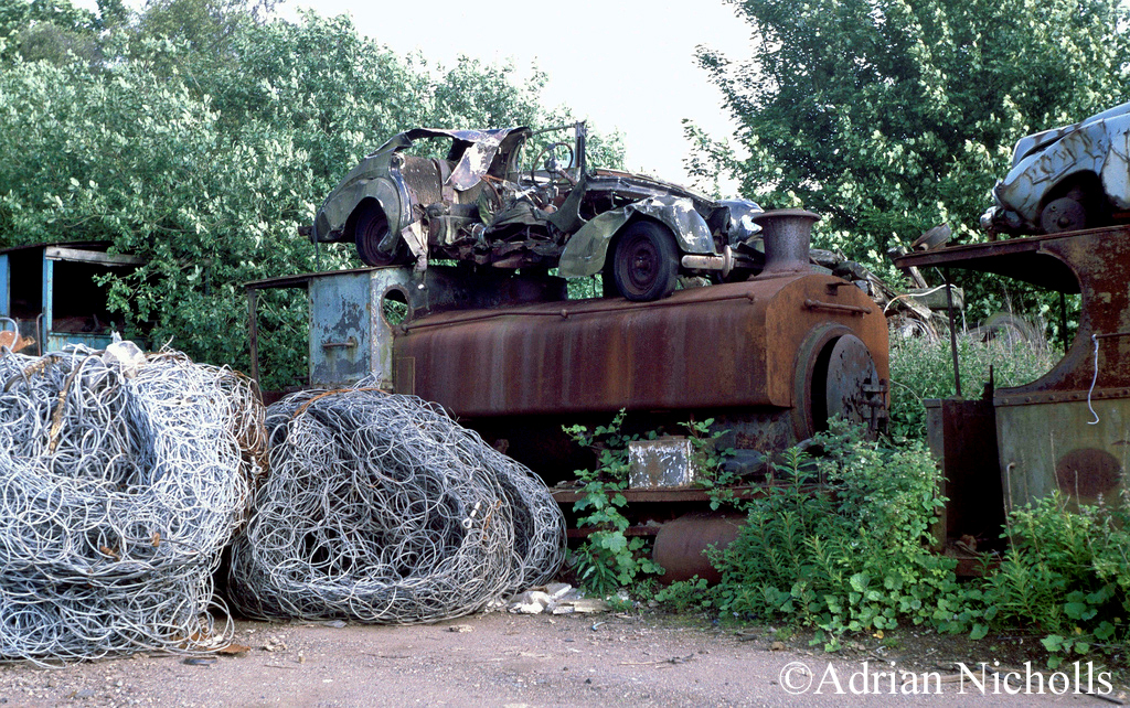 Andrew Barclay 1807 at Thomas Muir's scrapyard at Easter Balbeggie in Fife - June 1993.jpg