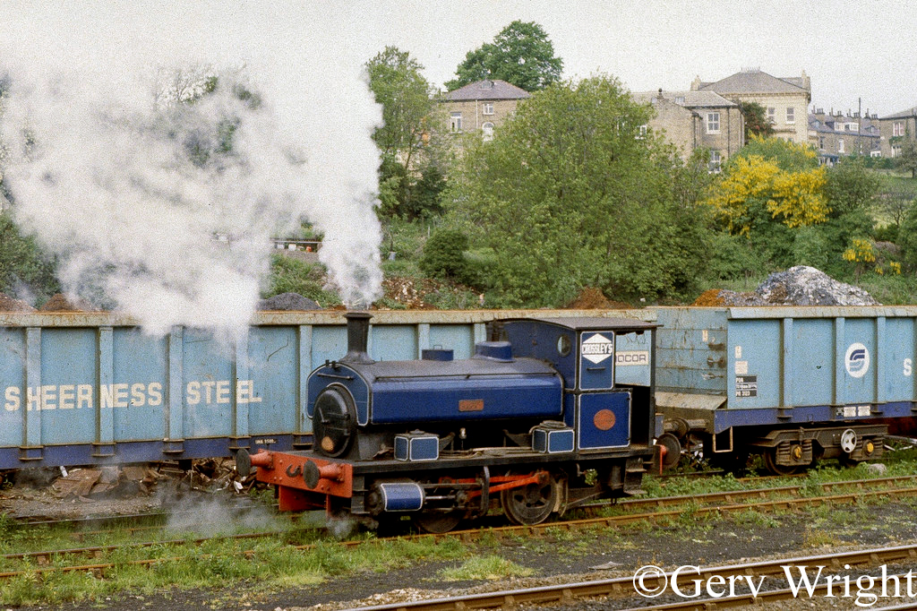 Andrew Barclay 1823 at Crossley's scrapyard in Shipley - June 1983.jpg