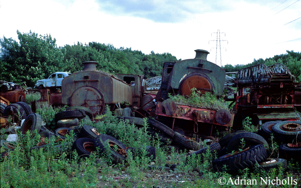 Andrew Barclay 2261 & 2262 at Thomas Muir's Easter Balbeggie scrapyard - June 1993