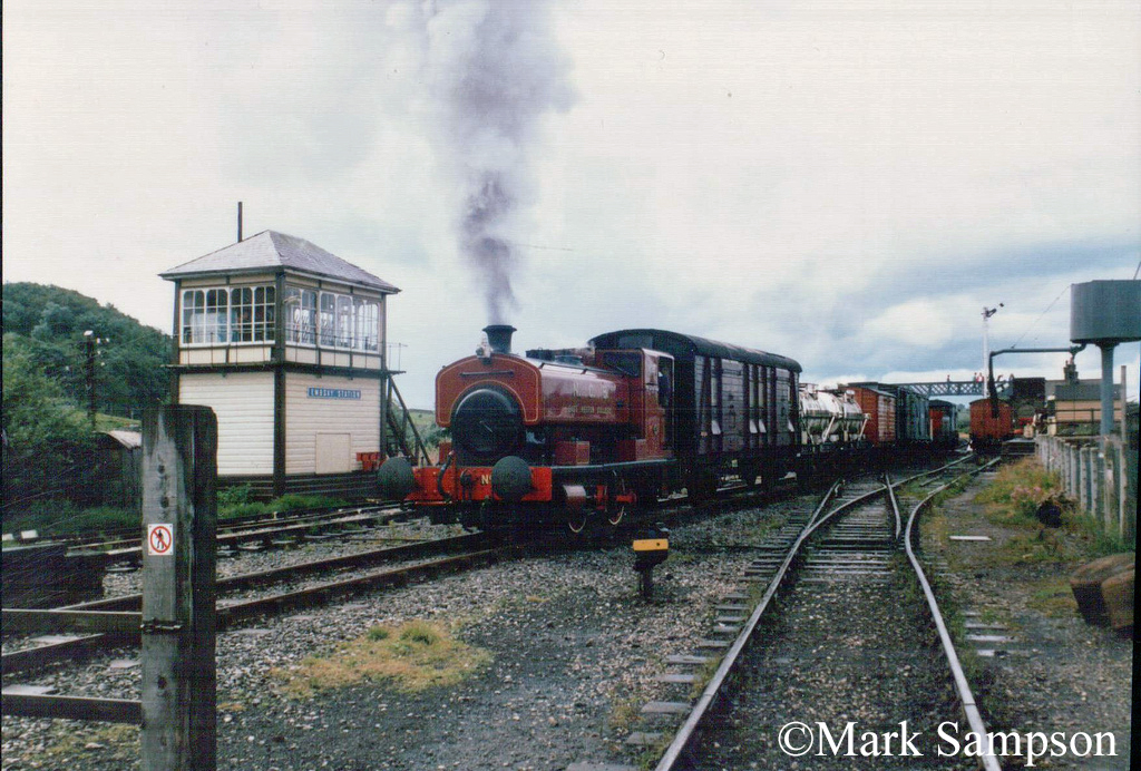 Andrew Barclay 2320 at the Embsay & Bolton Abbey Steam Railway - July 1989.jpg